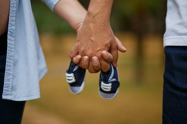 Gastos y ahorros para la llegada de un nuevo bebé a la familia