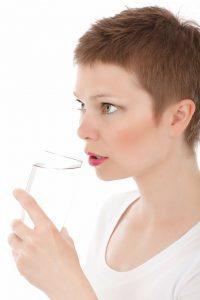 Mitos y realidades sobre la hidratación