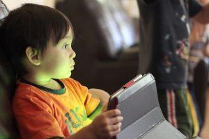 Los hijos y el internet. ¿Qué contenido es apropiado de acuerdo a su edad?